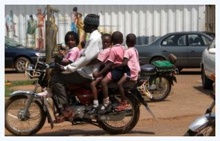 weltwaerts-afrika-familie-motorrad
